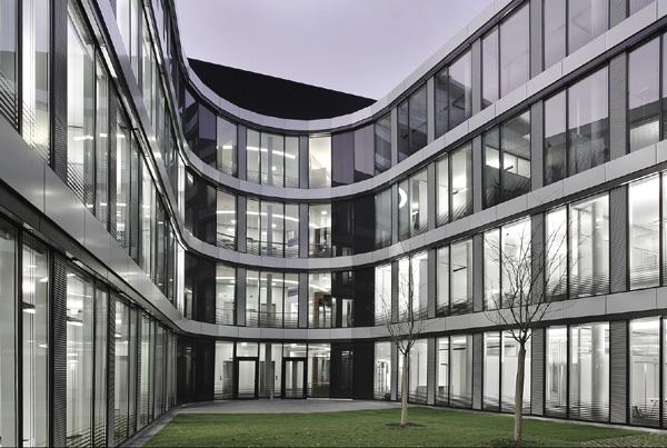 DaimlerChrysler Headquarters Relocation – Stuttgart-Untertürkheim